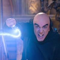 Злой волшебник из Смурфиков-1