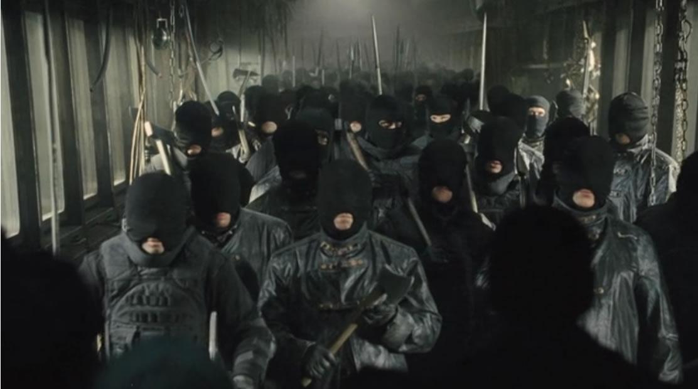 Сквозь снег / Snowpiercer (кадр из фильма)
