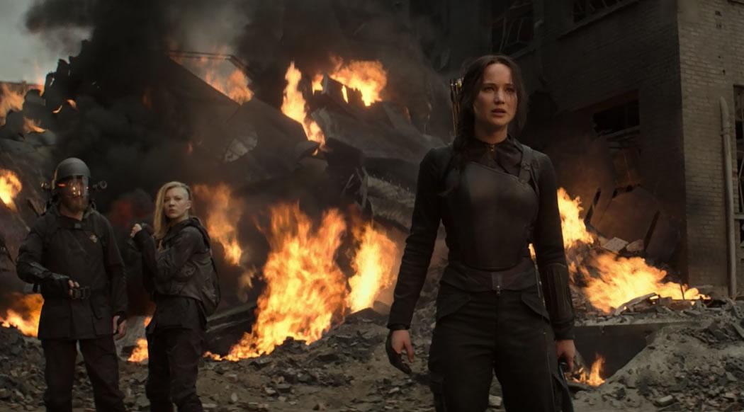 Голодные игры 3: Сойка пересмешница (Часть 1) / The Hunger Games: Mockingjay - Part 1 (кадр из фильма)