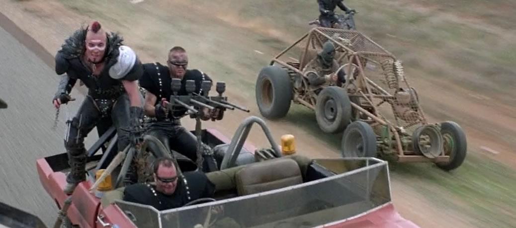 Безумный Макс - 2: Воин дороги / Mad Max 2 (1981) -- кадр из фильма