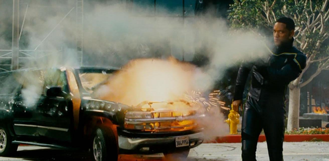 Хэнкок (кадр из фильма)